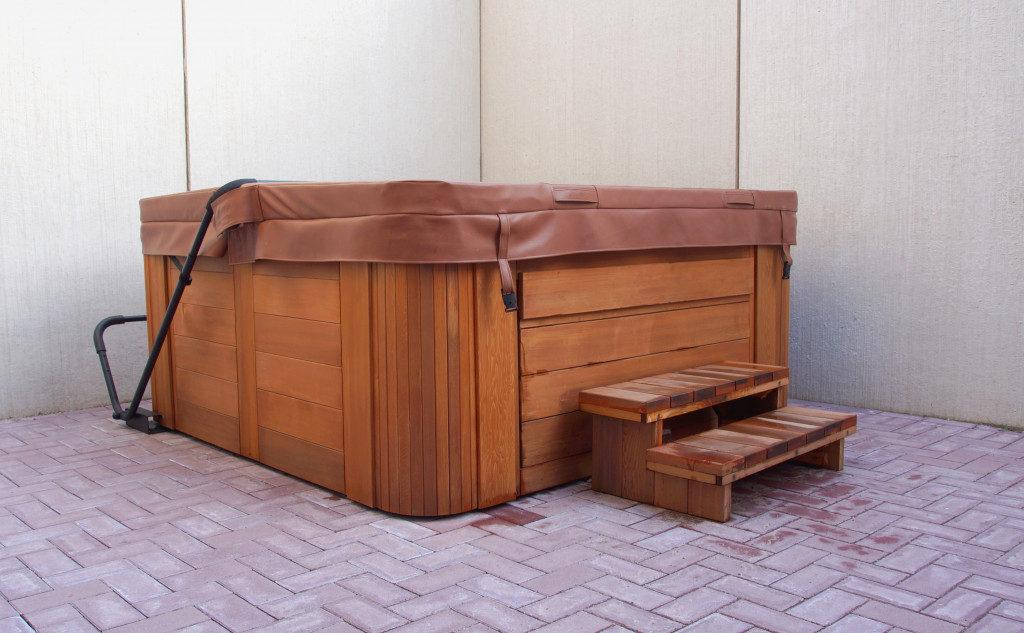 hot tub / jacuzzi